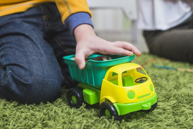 gyerekjáték műanyag hulladékkisautó