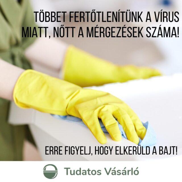 #Fertőtlenítés, #vírusölő, #higiénia – ezeket szavakat ezerszer hallhattuk az elmúlt hónapokban a #koronavírus elleni védekezés kapcsán. Nem szabad elfelejtkezni azonban arról, hogy fertőtlenítő szerek veszélyt jelentenek szervezetünkre is - főleg helytelenül használva!   A legfontosabb szabály, hogy SOHA NE KEVERJÜK őket! ❗️❗️❗️ A klórtartalmú szerek - mint a fertőtlenítő szerek többsége - savval keveredve erősen mérgező klórgázt képeznek. Igen, ecetsavval, vagy citromsavval keveredve is. Hasonló problémát okozhat az #alkohol-, vagy #hidrogénperoxid-tartalmú fertőtlenítők helytelen használata vagy keveredése is.  Új cikkünkben összeszedtünk néhány alapvetést, amit érdemes betartani, hogy elkerüld a bajt. Link a bioban!  #tudatosvásárló #tudatosvasarlo #greenandsafe #LIFE #zöldotthon #fenntarthatóotthon #vegyszermentes #vegyszermentesháztartás #hulladékmentes #zöldjövő #hulladékcsökkentés #tudatosság #tudatoséletmód #fenntarthatóság #környezetvédelem #hulladékmentesháztartás #ecofriendly #takarítás #zöldháztartás #zöldotthon #haztartas #gogreen #gogreenfortheplanet