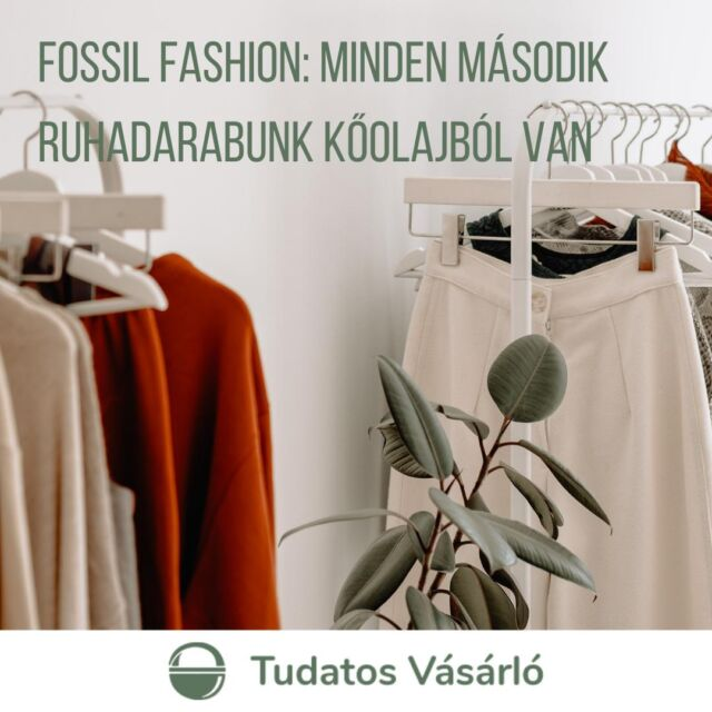👗A kőolaj életünk minden szegletében átvette a szerepet. Az elmúlt 20 évben megduplázódott a szintetikus anyagok alkalmazása, a textilipar számára előállított műszálas szövetek gyártása során pedig jelenleg a globális olajfogyasztás 1,35%-át használják fel. Ennek az óriási fogyasztásnak a legfőbb mozgatórugói a fast fashion márkák, akik akár hetente új kollekcióval csábítják a vásárlókat. Fast fashionután így beléptünk a fossil fashion korába.  🧵A poliészter-szálak szerepe a ruhaiparban 2000-ben haladta meg a pamutét, a következő 20 évben pedig a globális poliészterszövet-gyártás megduplázódott. 2028-ra a becslések szerint a különbség hatszorosra nő majd. 2030-ra a világ szövetgyártásának háromnegyede szintetikus anyagokra épül majd, amelynek 85%-a poliészter lesz.  Mit tehetsz te mint fogyasztó? 👚 Ne vásárolj műszálas ruhákat, mikroszálas törlőkendőket! 👚 Az alábbi módszerrekkell csökkentheted a mikroszálak leszakadását mosás közben: 🧺a műszálas ruhákat mosd ritkábban, esetleg kézzel vagy rövidebb programmal és alacsonyabb erősségű centrifugálással. 🧺moss alacsonyabb hőfokon. 🧺 töltsd teli a mosógépet, így kevésbé fognak leszakadni a szálak. 🧺használj folyékony mosószert, az kevésbé dörzsöli a ruhát.  #tudatosvasarlo #fogyasztóvédelem #ruha #divat #divatipar #fossilfashion #fastfashion #környezetvédelem #sustainablefasdhion #fashion